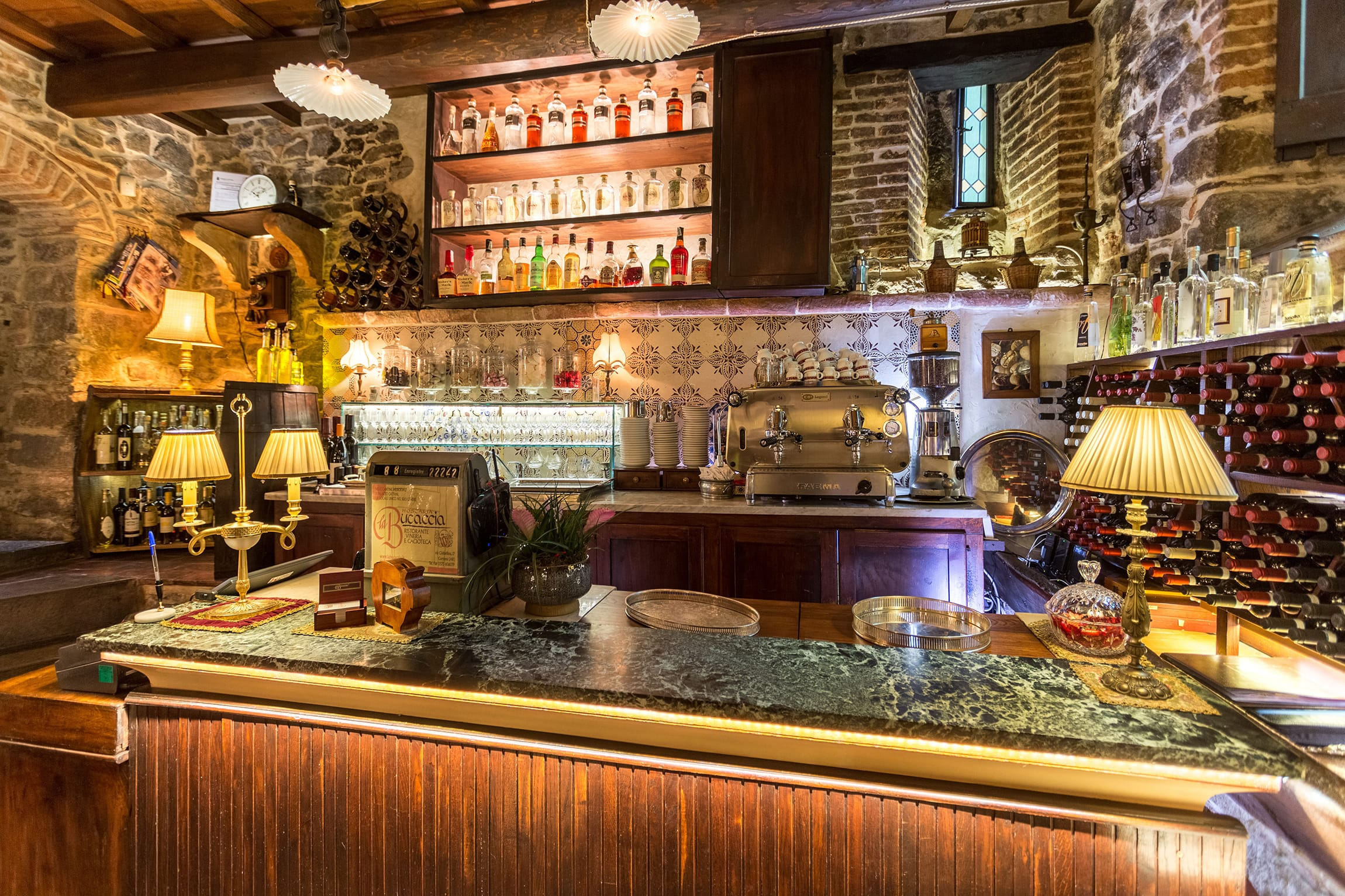 Contacts for information and booking – Restaurant La Bucaccia Cortona